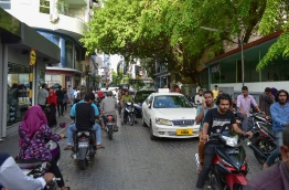 Majeedhee Magu, the main road which bisects Male City, blocked on both sides by traffic. PHOTO/MIHAARU