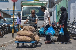 Shortages of onion have hiked prices through the roof before India made an exemption for Maldives to its regional export ban to South Asian countries. PHOTO: NISHAN ALI / MIHAARU