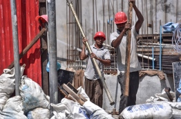 Expatriate workers at a construction site. PHOTO: NISHAN ALI/ MIHAARU