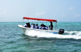 Students aboard the Fehendhoo, Baa Atoll, student dingy. PHOTO: AHMED ABDULLAH SAEED / MIHAARU