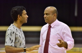 Mohamed Shafy (L) with Volleyball Association President Mohamed Latheef (R). PHOTO: NISHAN ALI/MIHAARU