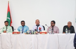 Members of the Elections Commission at a press conference. PHOTO: MIHAARU