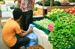 People pictured at the local market in the capital Male. MIHAARU PHOTO