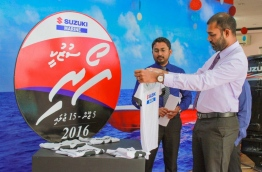Haleem (R) pictured at a MTCC promotional event. MIHAARU PHOTO
