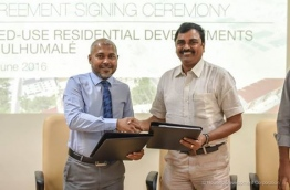 HDC's managing director Mohamed Saiman (L) with Renaatus Project chairman R.P. Selvasundaram. PHOTO/HDC