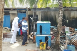 Dhaal Atoll Hospital staff conducting a campaign to eliminate mosquito breeding grounds. PHOTO/HEALTH MINISTRY