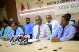 Housing minister Dr Mohamed Muizzu (2nd R) looks on during the press conference on Thursday. MIHAARU PHOTO/MOHAMED SHARUHAAN