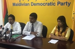 MDP secretary general Anas (C) flanked by lawmakers Rozaina Adam (R) and Imthiyaz Fahmy during the press conference on Tuesday. MIHAARU PHOTO