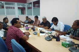 Maldives media council members meet some ruling party lawmakers over the defamation bill on Sunday. PHOTO/MMC
