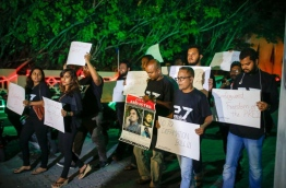 Local journalists pictured during a silent protest held against the defamation bill. MIHAARU PHOTO/MOHAMED SHARUHAAN