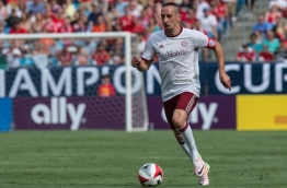 Bayern Munich's Franck Ribery runs with the ball during an International Champions Cup match against Inter Milan in Chatrlotte, North Carolina, on July 30, 2016. / AFP PHOTO / NICHOLAS KAMM