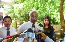 MDP PG group leader Ibrahim Mohamed Solih (C) speaking to reporters outside the parliament building on Wednesday. MIHAARU PHOTO/MOHAMED SHARUHAAN