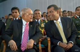 Former presidents Gayoom (L) and Nasheed. PHOTO/VNEWS