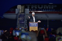 Republican presidential nominee Donald Trump speaks during a rally at the JetCenters of Colorado in Colorado Springs, Colorado on September 17, 2016. / AFP PHOTO / Mandel Ngan