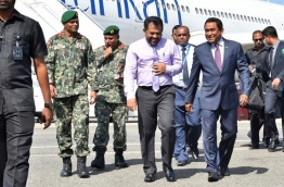 President Abdulla Yameen Abdul Gayoom (R) with tourism minister Moosa Zameer. FILE PHOTO: PRESIDENT'S OFFICE