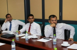 Finance minister Ahmed Munawar (M), tourism minister Moosa Zameer (R) and commissioner general of taxation Yazeed Mohamed at the Macroeconomic Coordinating Committee (MECC) meeting to discuss the economic framework for the 2017 state budget. PHOTO/FACEBOOK