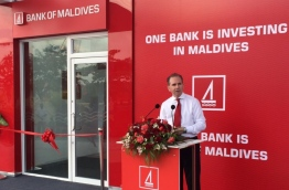 Bank of Maldives Ltd (BML)'s CEO Andrew Healy speaks at opening ceremony of BML's new ATM self-service centre in R.Dhuvaafaru. PHOTO/BML