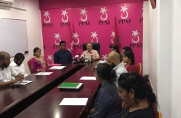 PPM leader Gayoom chairs a council meeting. MIHAARU PHOTO/MOHAMED SHARUHAAN