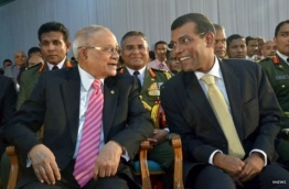 Former presidents Maumoon Abdul Gayoom (L)  and Mohamed Nasheed. PHOTO/VNEWS