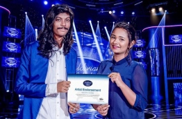 Mira Mohamed Majid (R) with Shalabee Ibrahim, runner up of the first season of Maldivian Idol.
