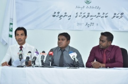 Elections Commission (EC)'s secretary general speaks at press conference. PHOTO: NISHAN ALI/MIHAARU