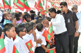 President Yameen welcomed by the people of M. Mulah. PHOTO:President's Office