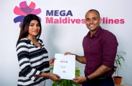 MATATO and Mega Maldives sign and exchange agreement appointing Mega Maldives as airline partner of SATTE 2017 in New Delhi, India. PHOTO/MATATO
