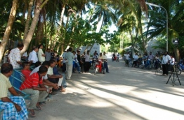 Residents of L.Kalaidhoo. PHOTO/MDP