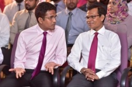 PPM PG leader Ahmed Nihan (L) speaks with parliament speaker Abdulla Maseeh. MIHAARU FILE PHOTO