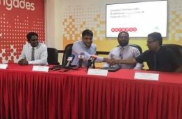 Ooredoo signs with Guesthouse Maldives to provide IT and telecom services to guesthouses.