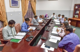 Members of the parliamentary finance committee pictured during a sit-down. MIHAARU PHOTO/NISHAN ALI