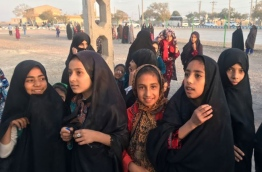 Afghan refugee girls gather at the Bardsir settlement for Afghan refugees in Kerman province, Iran, Oct. 22, 2016. PHOTO/REUTERS