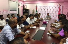 President Yameen meets with lawmakers of PPM/MDA parliamentary group. PHOTO: AHMED NIHAN TWITTER