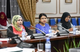 State Health Minister Aishath Rameela (L) speaks at parliament meeting between the HPA and Committee on Oversight of the Government. PHOTO: HUSSAIN WAHEED/MIHAARU