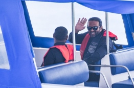 Former VP Ahmed Adheeb escorted back to Dhoonidhoo Prison in a police speedboat. PHOTO: HUSSAIN WAHEED/MIHAARU