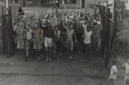 Allied prisoners released from Changi Prison, 1945. PHOTO/UNKNOWN