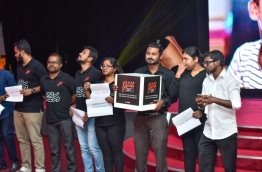 Raajje TV journalists hold peaceful protest against Broadcasting Commission at the Maldives Journalism Awards 2016 held in October 2017. PHOTO/MIHAARU