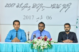 Members of the Elections Commission speaking at a press conference PHOTO / MIHAARU