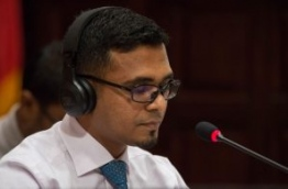 Finance minister Ahmed Munawar shares proposed State Budget 2018 at a parliament sitting. PHOTO/MAJLIS