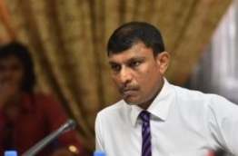 Villufushi MP Riyaz Rasheed speaks at parliamentary budget review committee meeting. PHOTO: HUSSAIN WAHEED/MIHAARU
