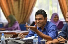 Kaashidhoo MP Faisal Naseem of JP speaks at parliamentary budget review committee meeting. PHOTO: HUSSAIN WAHEED/MIHAARU