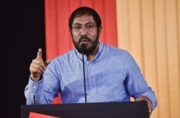 Jumhoory Party leader Qasim Ibrahim speaks at opposition coalition rally.