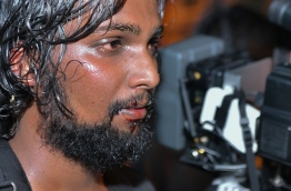 Sangu TV camera man suffers injuries. PHOTO/HUSSAIN WAHEED/MIHAARU