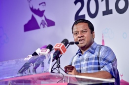 Maldivian ambassador to Sri-Lanka Mohamed Husain Shareef speaking at a Progressive Party of Maldives (PPM) rally. MIHAARU PHOTO / NISHAN ALI