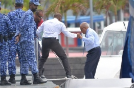 Former President Maumoon Abdul Gayyoom arriving in the capital Male for his on going trial. MIHAARU PHOTO / HUSSEN WAHEED