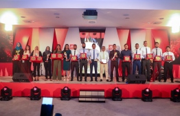 Paradise Island Resort, May 5, 2018: Winners of the Mihaaru Awards pose for a picture at the end of the ceremony. PHOTO/IMAGES.MV