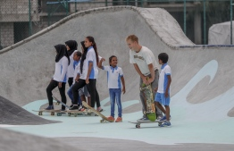Hulhumale, May 4, 2018: Students of B. Goidhoo receive free skating lessons at the soft opening of Hulhumale Skatepark. PHOTO: MOHAMED AHSAN/RED BULL