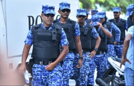 Maldivies Police Service officers. PHOTO: HUSSAIN WAHEED / MIHAARU