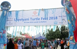 Entrance to the third Lhaviyani Turtle Fest. Numerous people from all over the atoll and capital Male' came to take part in this event. PHOTO: HAWWA AMAANY ABDULLA/ THE EDITION