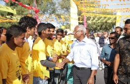 Opposition coalition's presidential candidate Ibrahim Mohamed Solih is warmly received at Ha.Thakandhoo during his campaign stop. PHOTO/MDP